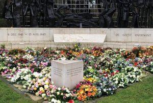 bloemen Indisch monument